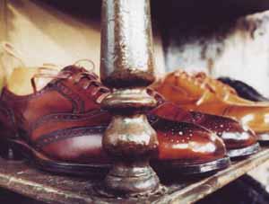 wunderbar polierte handgemachte rahmengenaehte Schuhe